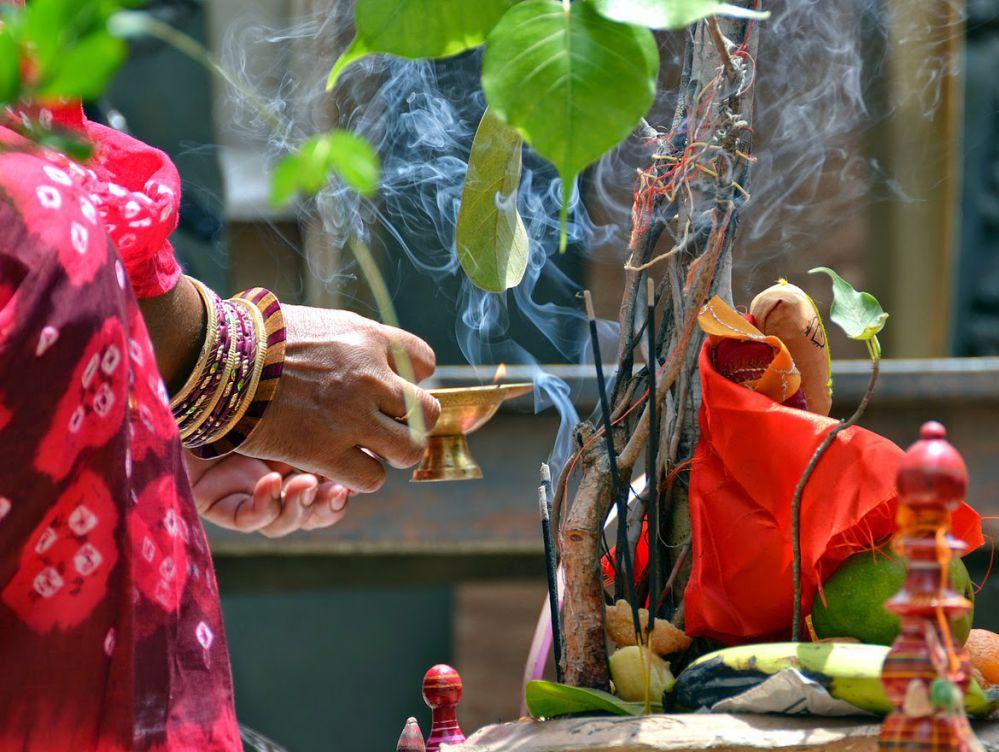 Vat Savitri Vrat 2020: Pooja Vidhi and Mantra